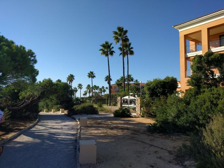 Barrosa Garden Weg zum Strand1